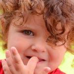 Что делать, если ребенок грызет ногти? Советы системно-векторного психолога