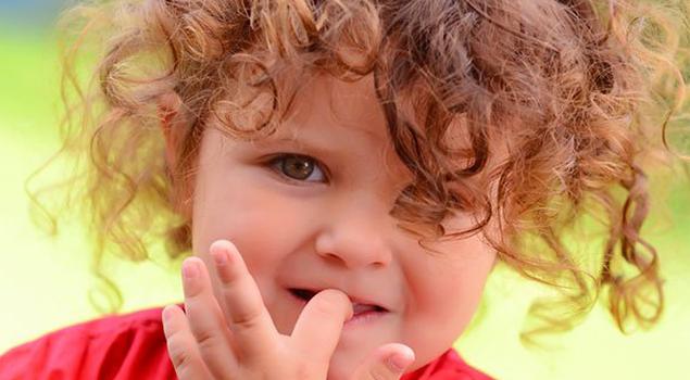 Что делать, если ребенок грызет ногти изображение